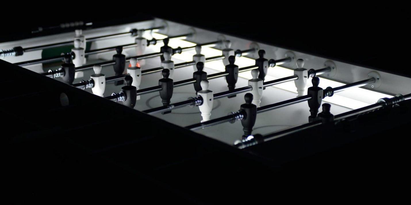 futbolin-de-diseno-con-luz-11