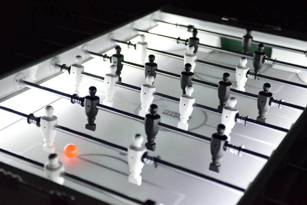 futbolin-de-diseno-con-luz-15
