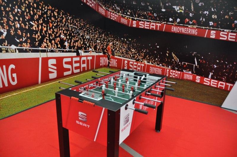 seat (23)