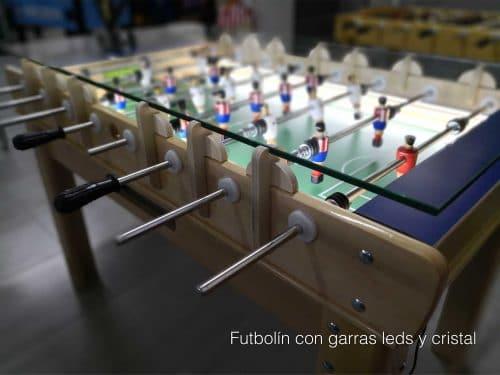 futbolín de madera con garras leds y cristal
