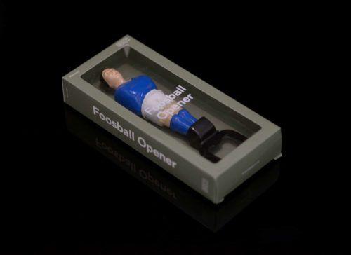 abrebotellas jugador futbolín azul