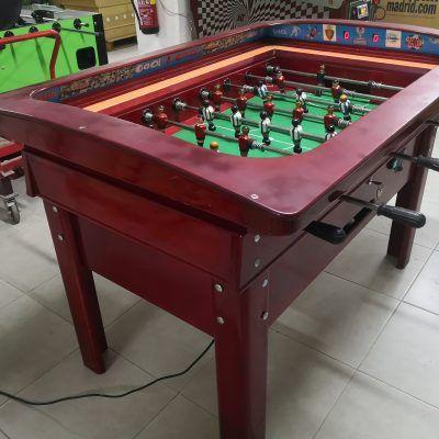 Futbolín de madera vintage